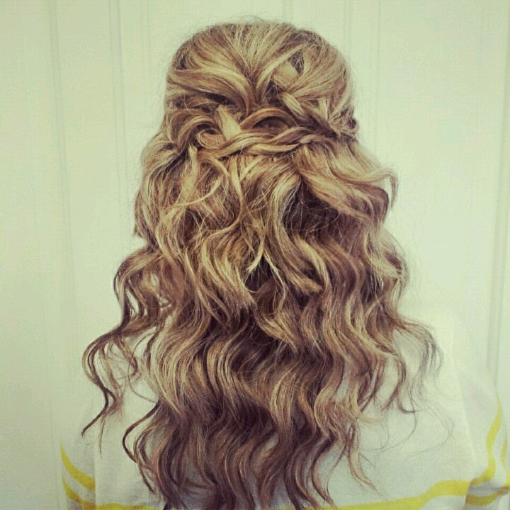 Braid Curl Wedding Hair: Want To Try This Curls And Braids