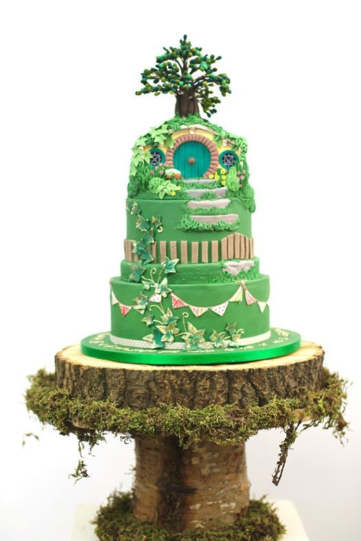Hobbit / Lord of the rings themed cake   Hobbit cake, Zoes ...