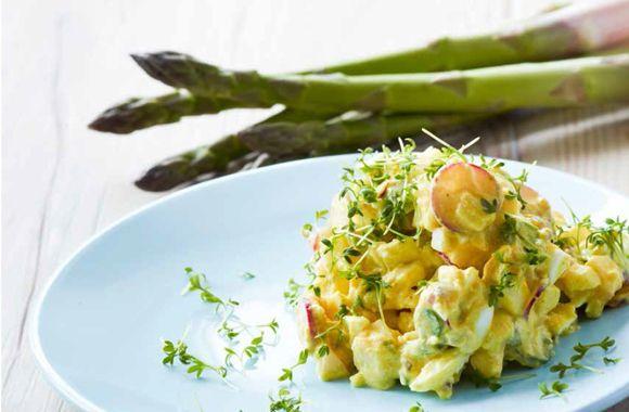 Æggesalat med radiser og asparges - nemlig.com