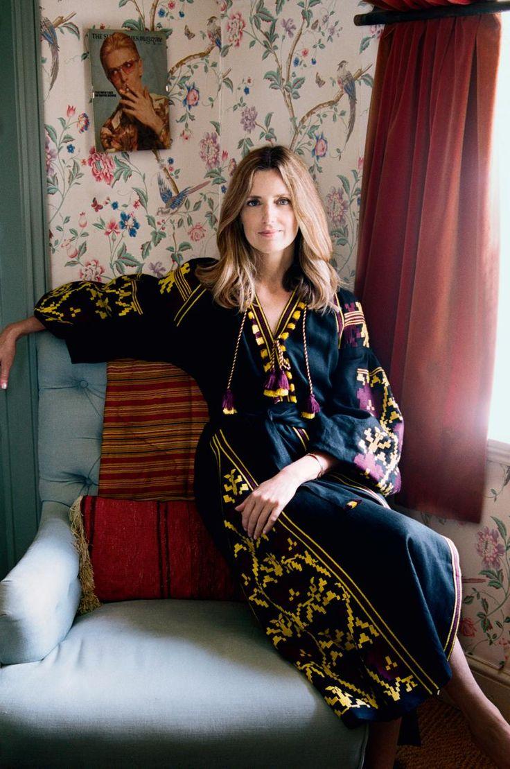 Amanda Brooks in einem Kleid von Vita Kin, mehr über das ukrainische Modelabel gibt es
