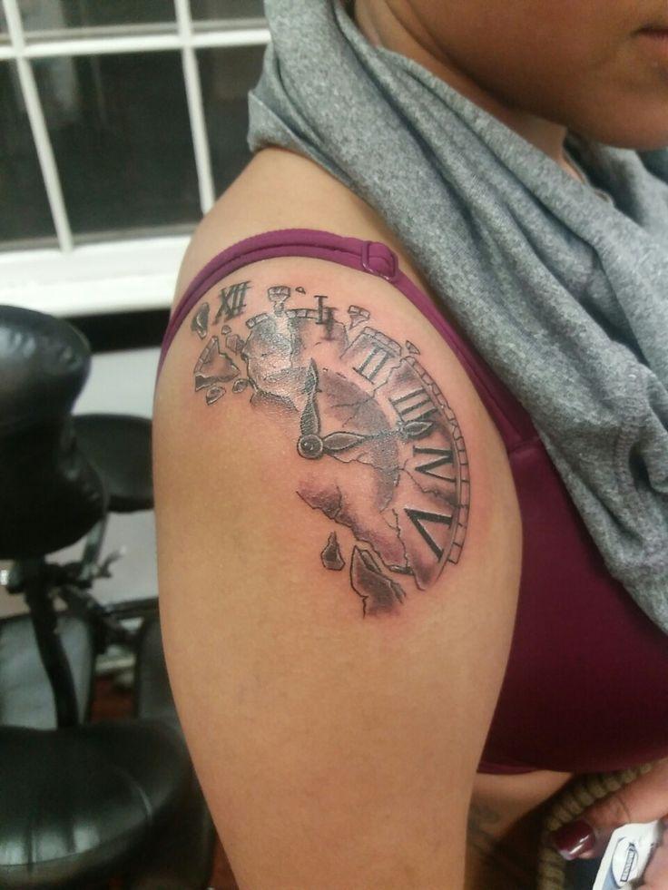 The 25 best broken clock tattoo ideas on pinterest time for Tattoo art club