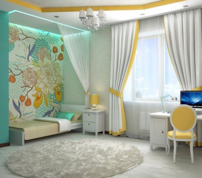 Jugendzimmer Gestalten Graues Zimmer Mit Bluen Und Grunen Dekorationen Gelber Stuhl Computer Schreibtisch Am Fenster Vorhange