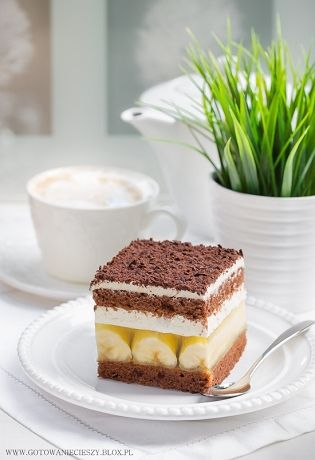 Zbliża się weekend, więc mam dla Was przepis na pyszne i proste w wykonaniu ciasto, które idealnie spisze się jako niedzielny deser lub dodatek do kawy dla