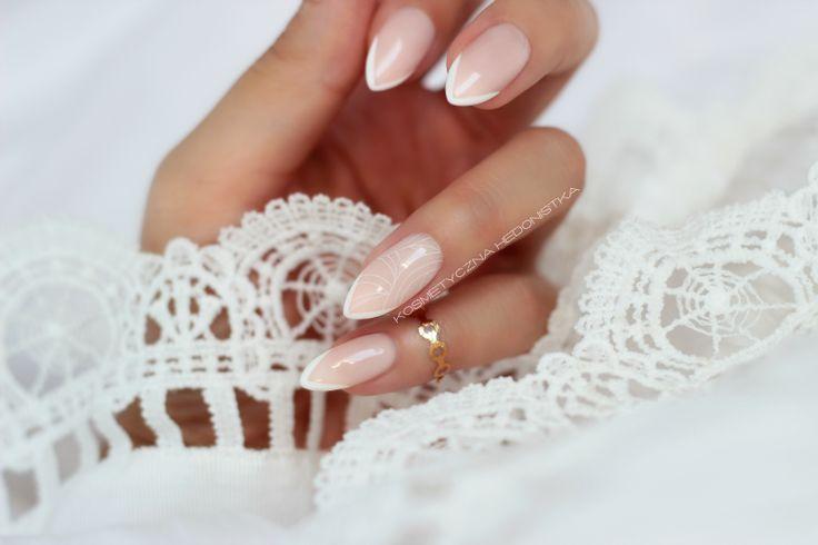 White tip pen pisak french manicure sally hansen