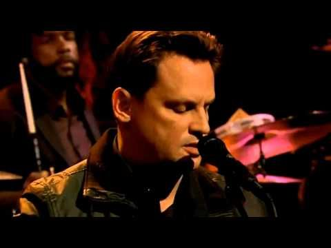 Mark Kozelek - Mistress on Late Night with Jimmy Fallon - YouTube