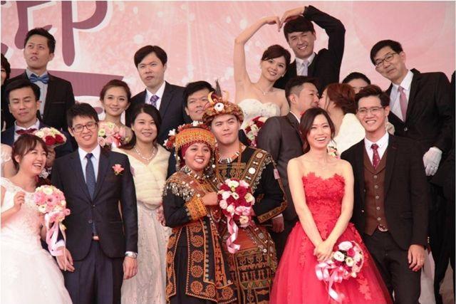 Un total de 25 parejas unieron sus vidas en una boda masiva realizada el 15 de enero en el Parque Científico del Sur de Taiwan, localizado en la sureña ciudad de Tainan. Dicho Parque pat...