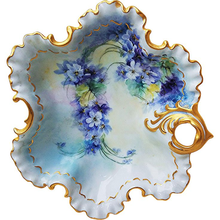 Beautiful Bavaria 1900's Hand Painted 'Violets' Fancy Scallop 8-1/4' Floral Nappy by the Artist, 'Floretts'