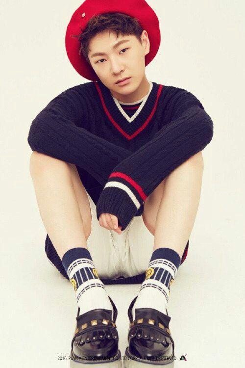 HanSe  (Do HanSe)  Birth: 1997  Nationality: South Korea  Height: 173cm  Weight:62kg
