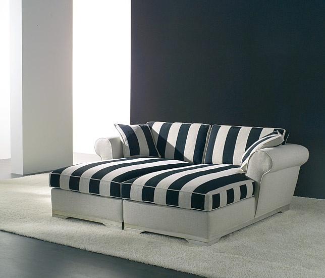 Chaise-longue classica, ideale per raggiungere piacevoli momenti di relax. Roger divano classico di Tino Mariani. http://www.tinomariani.it/prodotti/roger.html