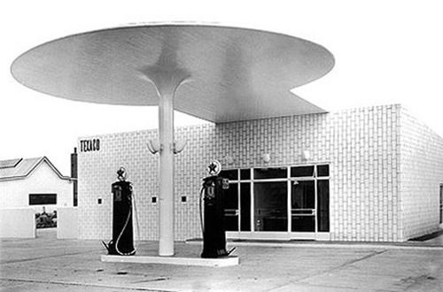 gas station by Arne Jacobsen (1936)
