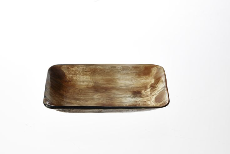 T12, Smoked horn plate, 13x17 cm www.thetravellingband.dk