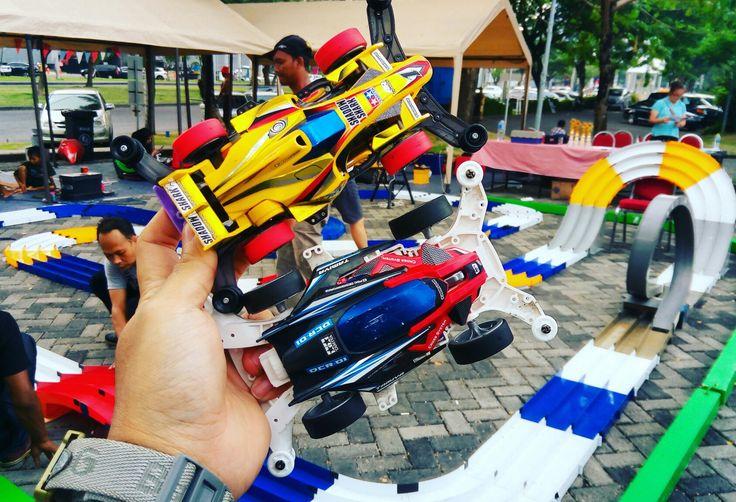 Artisan Market 2017 Tamiya Mini 4WD Race featuring Kendall Oil STCB RACE. TODAY!  #gettheworld #tamiyaindonesia #Mini4WD #TamiyaMini4WD #IndonesiaCup2017 #IC2017 #KOMSS #STO100 #ミニ四駆 #tamiya #TOS #STO #TamiyaOriginalSeratus #furush #teamflazh #asiachallenge2017 #artisanMarket #artisanMarket2017 #conoco #phillips66 #kendalloil