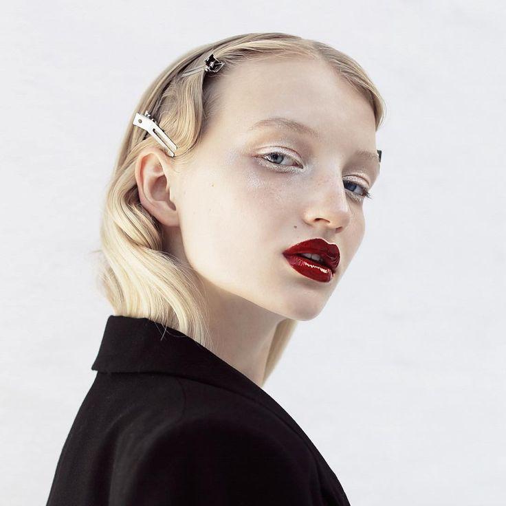 «Открыт новый набор на курс Визажист Базовый! ✨  Отличное начало для тех, кто хочет научиться техникам макияжа, основным секретам и законам, создавать…»