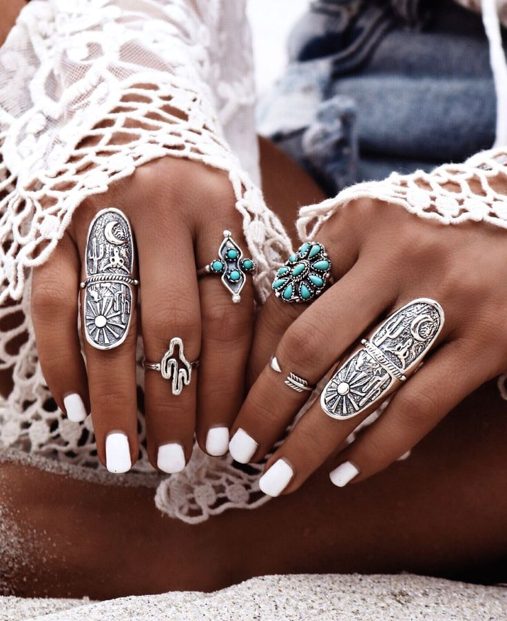 Gyspy Lovin Light White Nails With Boho Jewelry Inspo