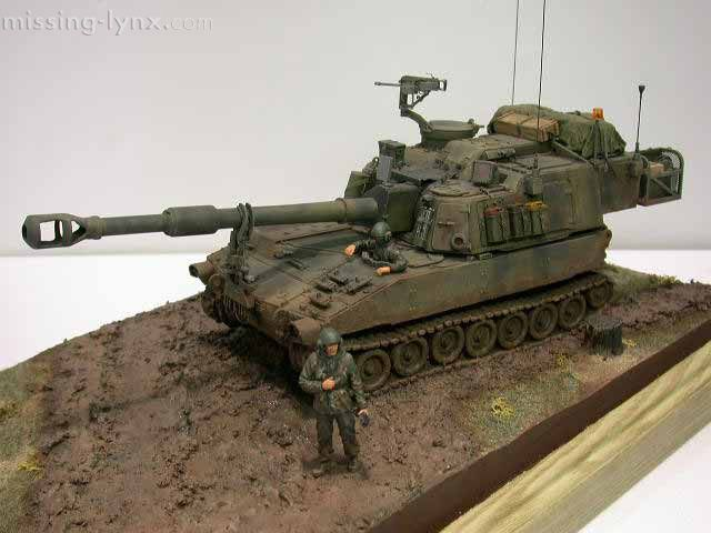 M109A6 Paladin Self-Propelled Artillery. 1:35 Scale