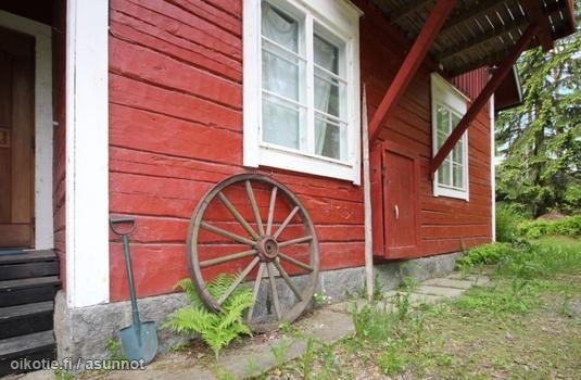 Myynnissä - Omakotitalo, Spjutsund, Sipoo: 5-6h, keittiö, kph, terassi, erillinen saunarakennus, varastorakennuksia. - Storuddintie 63, 06880 Sipoo - West-House LKV [A] | Oikotie