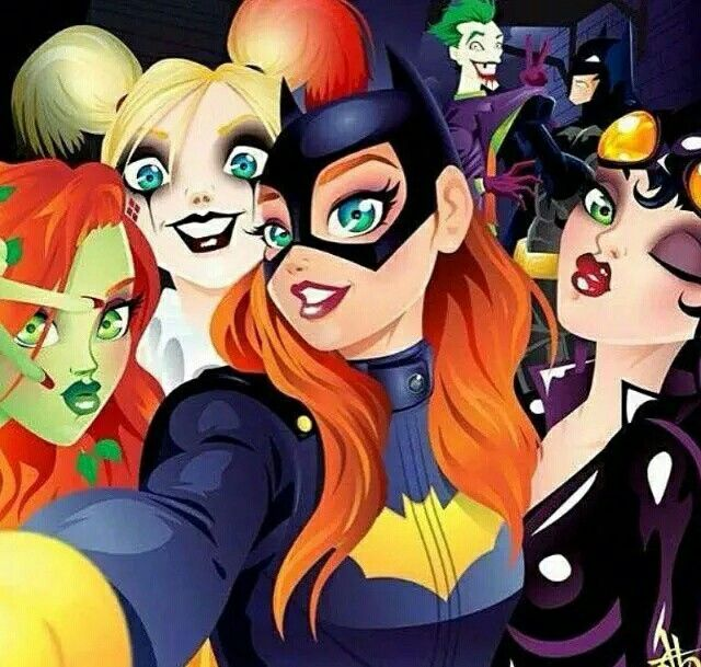 Poison Ivy, Harley Quinn, Batgirl, Catwoman and you can see Joker & Batman in the background.