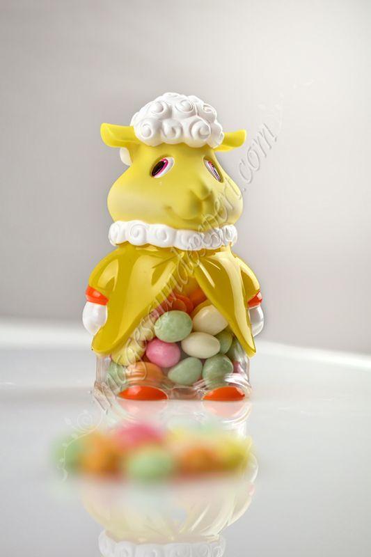 Produkt Fotos Lamm easter with candies, miel de paste cu bombonele,