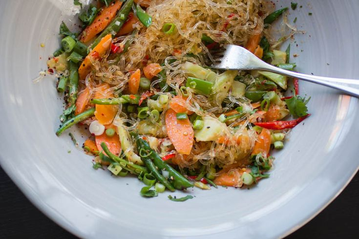 Wokade grönsaker & sjögräsnudlar - Vegan