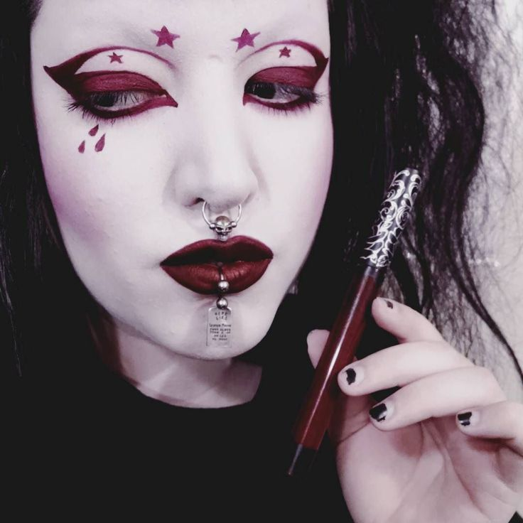 Just finished filming my @thekatvond / @katvondbeauty One Product Makeup Challenge video (I used the Vampira liquid lipstick for cheeks eyes and lips). I'm actually quite happy with the results hehe. I will have this video uploaded for you all tomorrow! #kvdlook #oneproductmakeupchallenge #motd by drac_makens