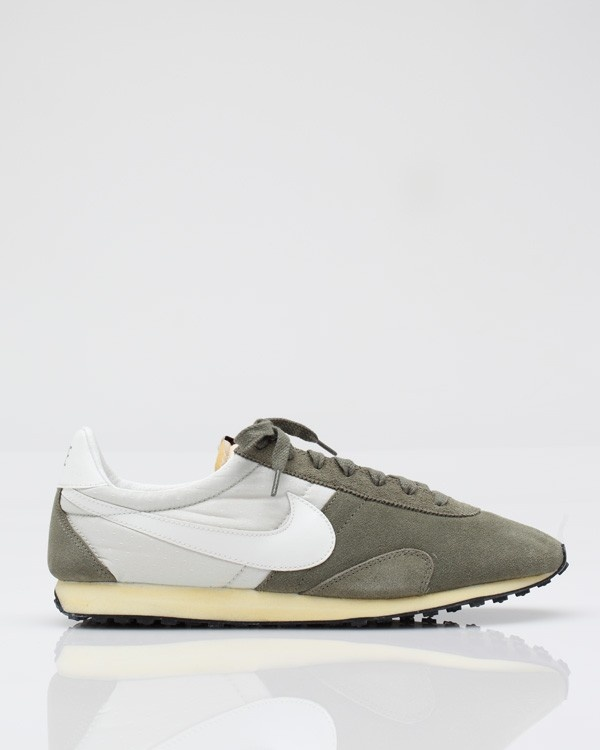 Pre Montreal Racer Nike Vintage racer from Nike, modeled after running shoes .