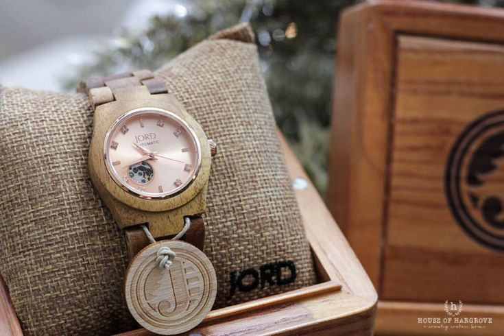 Love my new watch from Jord Wood Watches.  This would make the perfect gift! #jordwatch #woodwatch #giftforher
