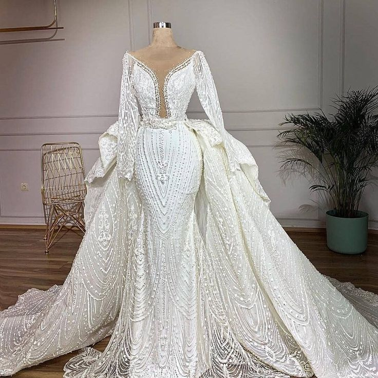 Elegant Long Sleeve Wedding Gowns for Brides of all Sizes
