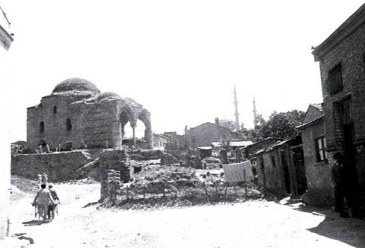 Fatih Yarhisar Cami, Kadı Çeşmesi Sokak. 1938 yılı