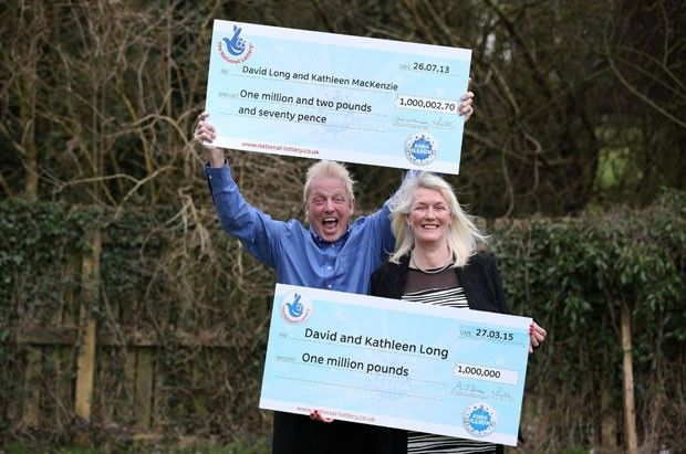 Casal britânico supera probabilidades e ganha outra vez na loteria Probabilidade de isso acontecer é de uma em 283 bilhões. David e Kathleen Long ganharam 2 prêmios de 1 milhão de libras.
