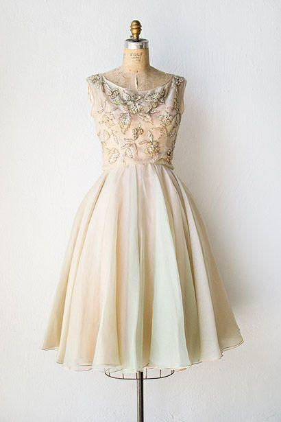 Gold dress vintage 615