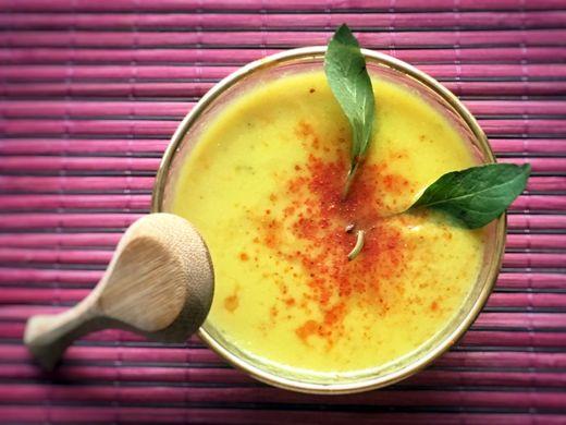 Kanarische Bananensuppe  Dieses einfache Rezept für eine Bananensuppe ist ein Klassiker auf der kanarischen Insel La Palma. Die Suppe ist paleo, vegan und glutenfrei.
