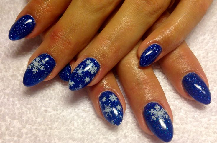 Blue sparkle and snowflakes