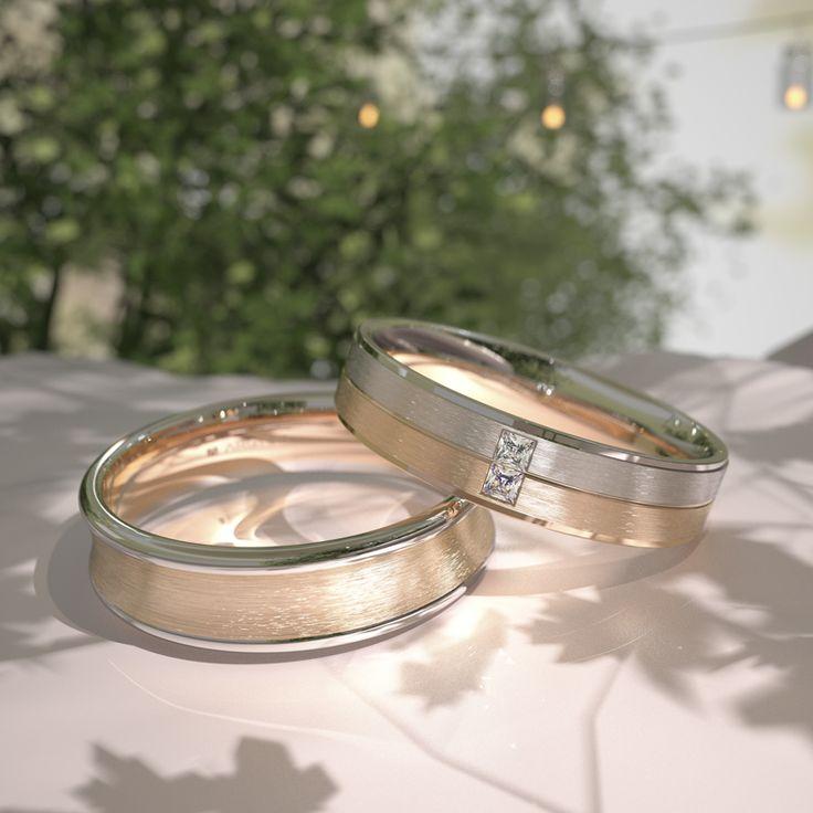 Estas dos alianzas de oro bicolor de 18 quilates pertenecen a la Colección Argyor 1954. Una de ellas lleva dos diamantes talla princesa. Unos originales diseños para tu día especial. #alianzas