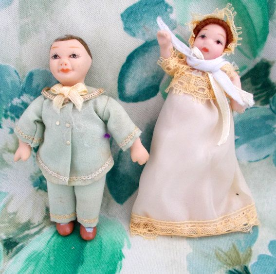 Victorian Dolls House Dolls Baby and Child 16th Scale , Smartly Dressed in Period Costume in Pastel shades