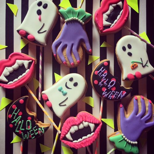 HALLOWEEN LOLLIPOP COOKIE - THUMB AND CAKES