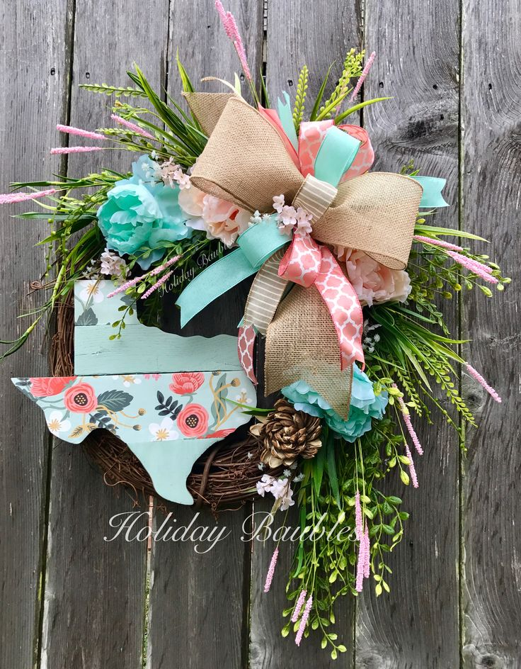 Shabby Texas Wreath  by Holiday Baubles