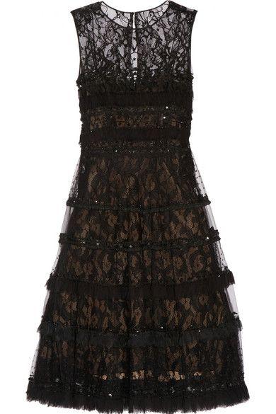 https://www.net-a-porter.com/us/en/product/677650/Oscar_de_la_Renta/embellished-tulle-point-d-esprit-and-lace-dress