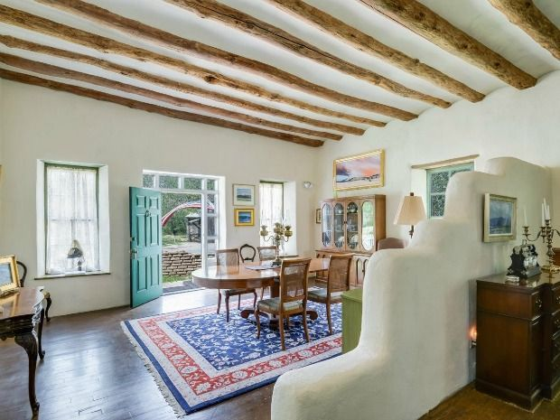 Step Inside This Ivy Covered Adobe Home In 2020 Adobe House Home Ranch House