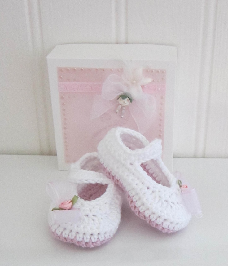 Crochet Mary-Jane Baby Shoes