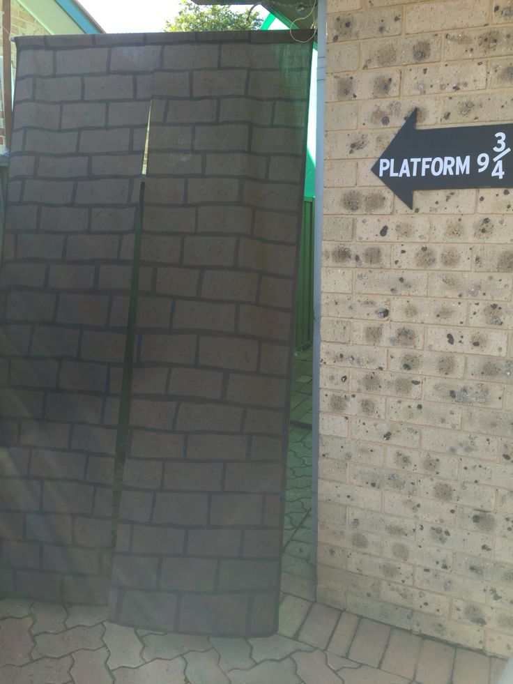 Platform 9 3/4  #harrypotter #hogwarts  #decorations #party