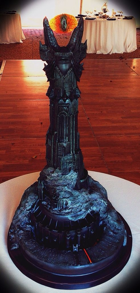 One of the most epic Lord of the Rings cake on the face of this planet!