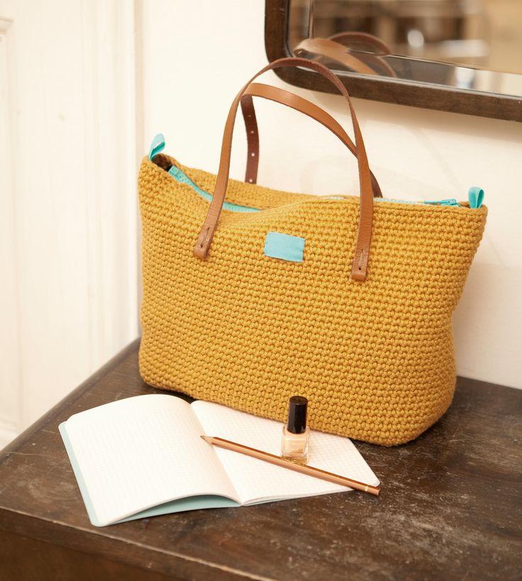 Tasche kaufen oder Shopper häkeln? Wir haben unser Herz an diese selbstgemachte Lieblingstasche von Designerin Molla Mills verloren.