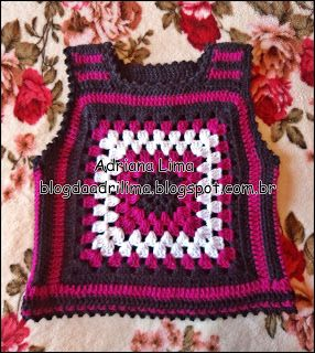 Adriana Lima: Coletinho Vintage em lã