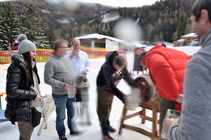 Erste Bieranstich auf der Strohsackhütte in Bad Kleinkirchheim - Region Nockberge - Kärnten - Lust am Leben :) Lustig war es - wir freuen uns auf weitere Tage voller Biergenuss (Getränke & Speisen) - www.almrausch.co.at  #badkleinkirchheim #ktr16 #kärnten #nockberge #strohsackhütte #hotelalmrausch