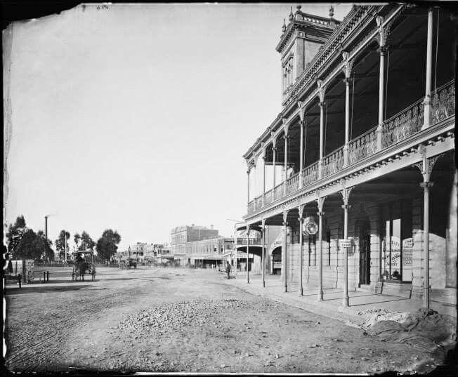 Pall Mall,Bendigo in Victoria in 1874.