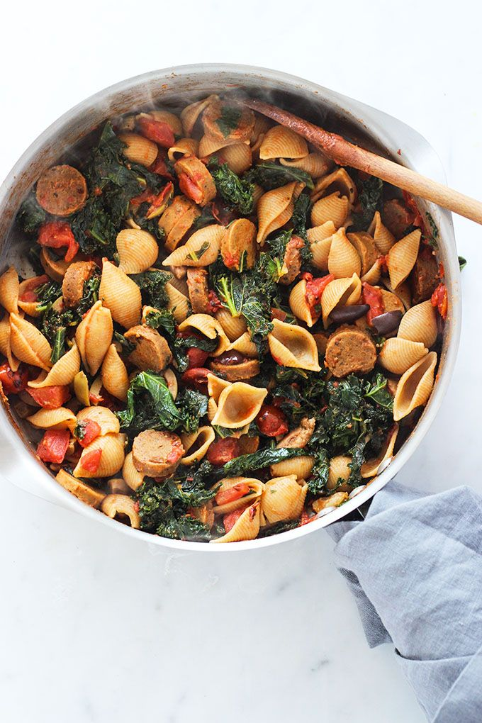 Vegan Sausage and Kale Pasta recipe with only 7 ingredients #vegetarian #30minutemeal