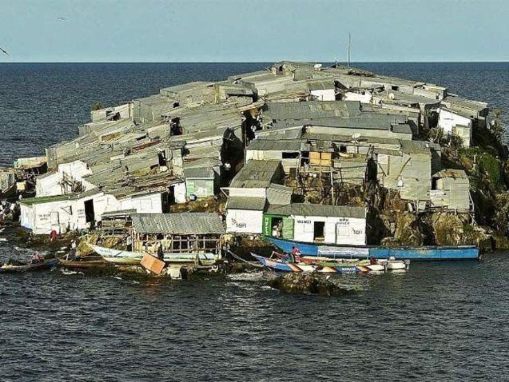 झुग्गियों में शामिल दुनिया के सबसे घनी आबादी वाले द्वीप