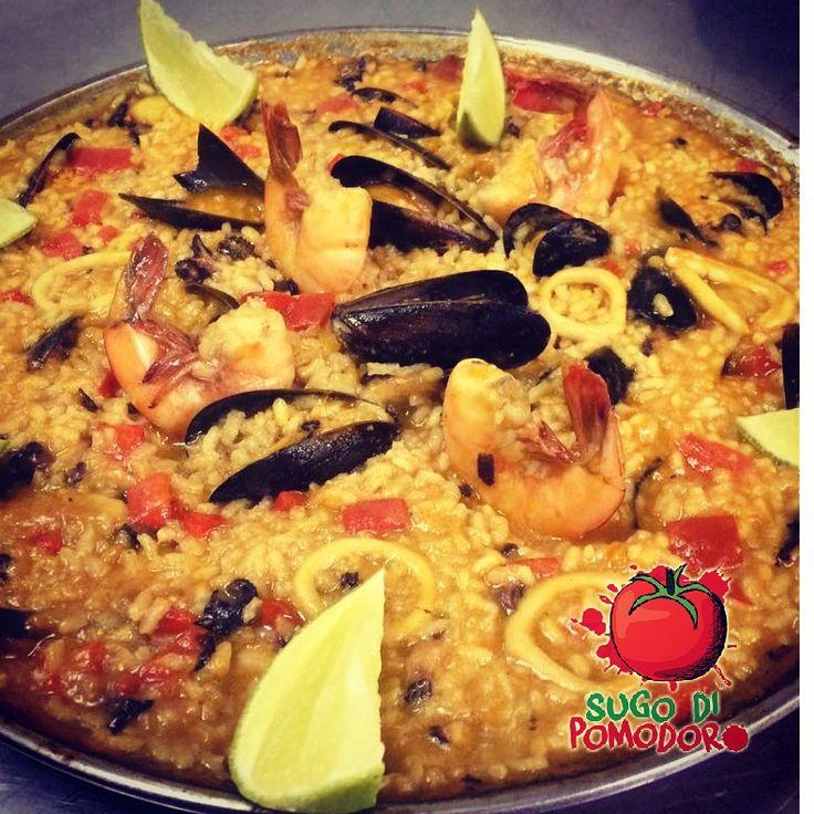 ¿Paella? Prepararla es más fácil de lo que creemos... #SugoDiPomodoro #Cocina #Nutrición #Recetas #FoodPorn #ClasesDeCocina #Gastronomía  #Tasty #CocinaParaPerezosos #QueHacerEnMedellin
