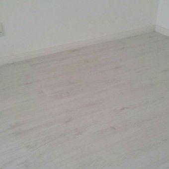 Finfloor Inovar Laminate Flooring - Colour Grey Ice