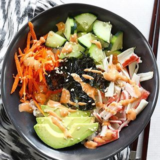 It's soooo hot outside!  But these Sushi Bowls with Sriracha Mayo are a great cold meal when it feels too hot to eat. I'm lovin' it with a tall glass of iced hibiscus tea! Tap the link in my profile to go to the recipe  @budgetbytes . . #summerfood #summereats #sushi #sushitime #sushilover #sushibowl #srirachamayo #lunchideas #lunchinspo #lunchtime #lunchprep #freshveggies #easyrecipes #easyrecipe #f52grams #feedfeed #buzzfeedfood #buzzfeast #huffposttaste . . https://www.budgetbytes.com/...